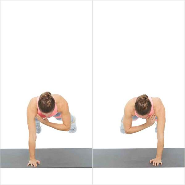 Động tác plank with shoulder taps